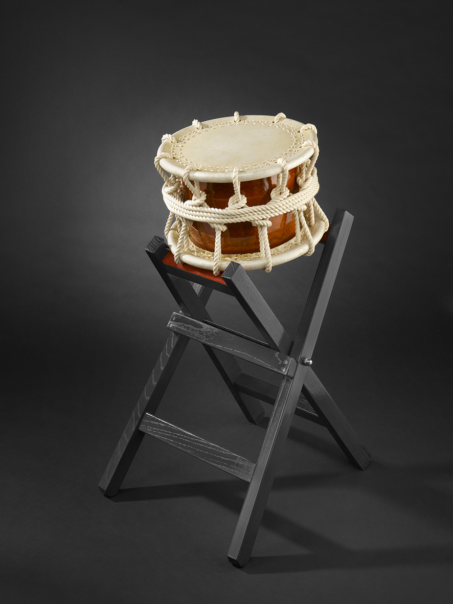 Shime-Daiko rope (490€) Ø37cm with woodenstand (145€)