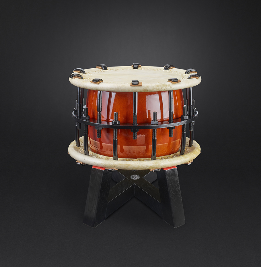 Shime-Daiko bolt Ø37cm (590€) with flat-stand (110€)